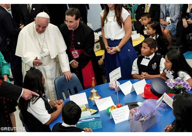 «Трудные вопросы»: Папа ответил на письма детей